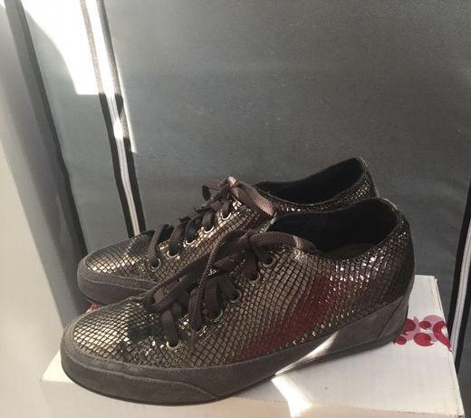 Snakersy , buty na koturnie skórzane Igi &CO
