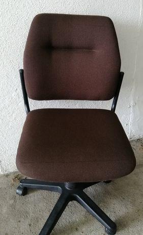 Cadeira Castanha