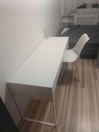 Biurko i krzesło białe-Ikea