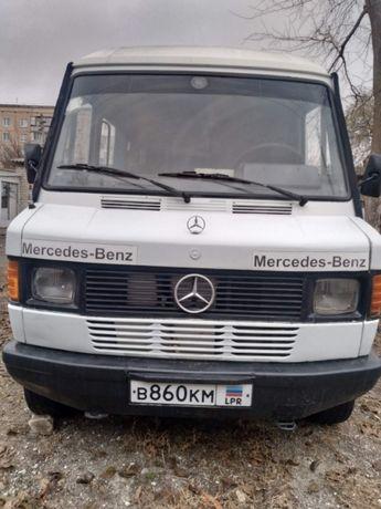 Продам Mersedes 208D