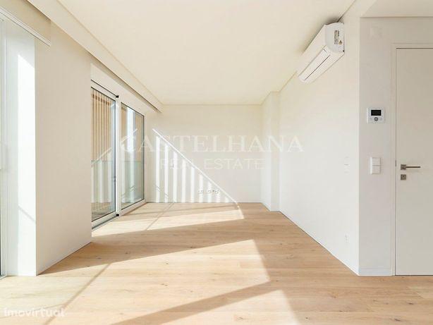 Apartamento T3 com estacionamento no Campo Grande