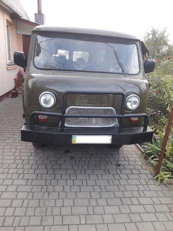 Продам  автомобіль  УАЗ 452.
