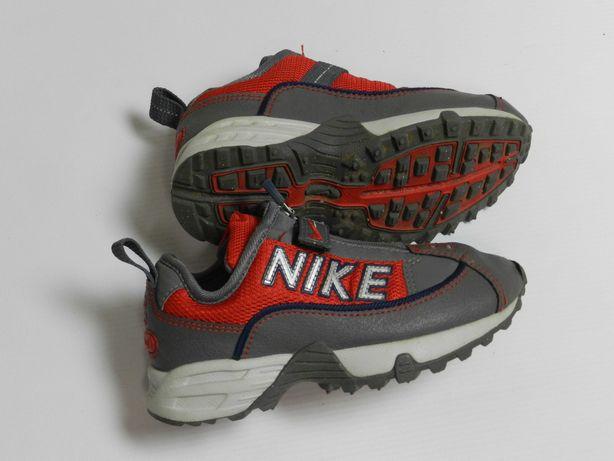 Nike кросівки EUR 27.5 (16,5-17 cm), вік 3 роки