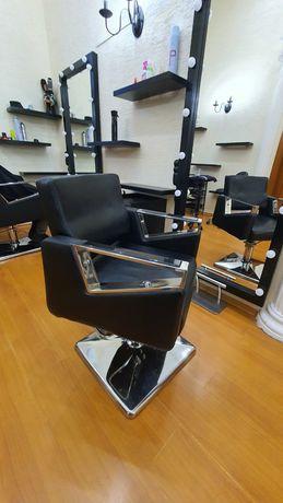 Новые парикмахерские кресла с подставкой для ног