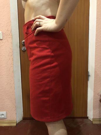 Очень красивая красная юбка карандаш