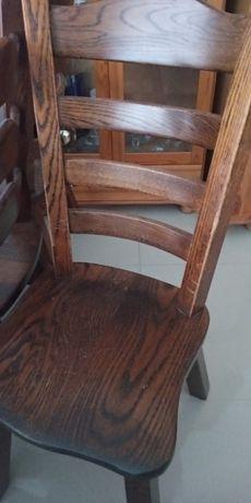 Sprzedam stół w bardzo dobrym stanie .Krzesla