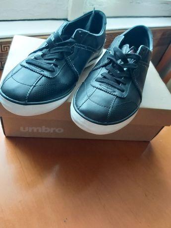 Buty Umbro nowe .