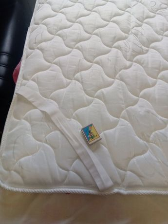 Продам тонкий пенный матрас топпер для дивана новый