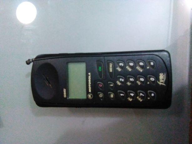 Telemóvel Motorola antigo