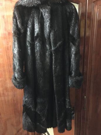 Шуба з нутріі ,шкіряний плащ ,зимова куртка