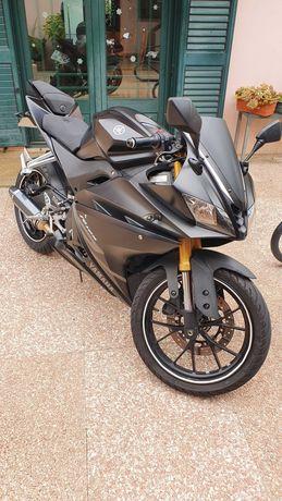 Yamaha YZF R125 Black Mate