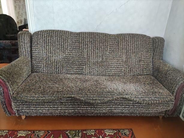 Диван и два кресла комплект в отличном состоянии