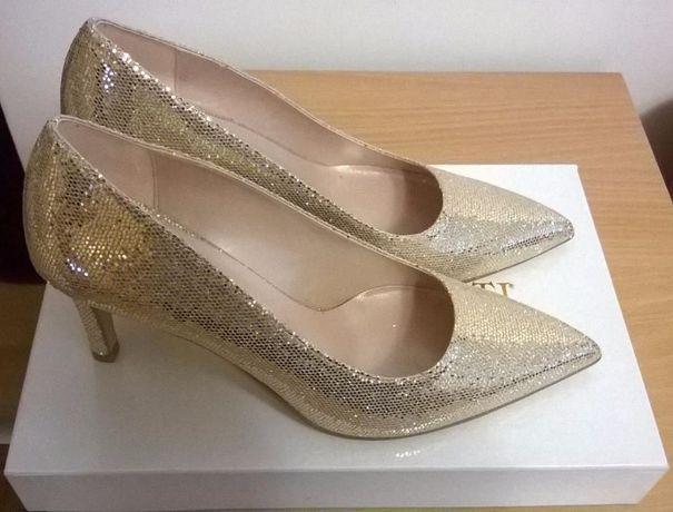 Piękne złote szpilki Patrizia Rigotti buty ślubne ślub