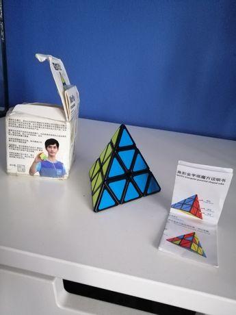 Kostka Moyu pyraminx