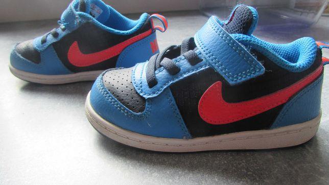 Buciki chłopięce Nike rozmiar 25