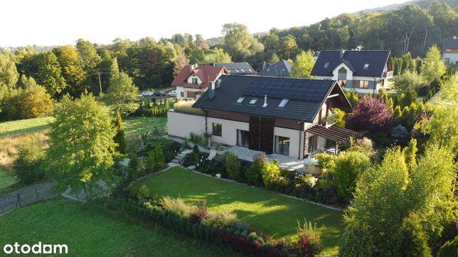 Piękny dom na słonecznej działce z ogrodem