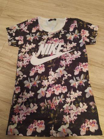 Tshirt rozmiar m w kwiatki