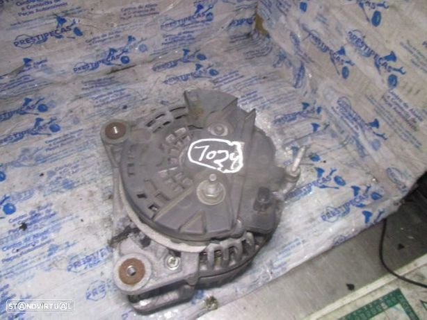 Alternador 231008578R RENAULT / clio 3 fase 2 / 2012 / 1.5 DCI /