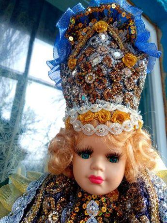 Фарфоровая кукла шкатулка