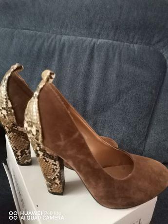 Pantofle zamszowe 37