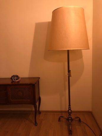 Piękna antyczna lampa mosiężna .