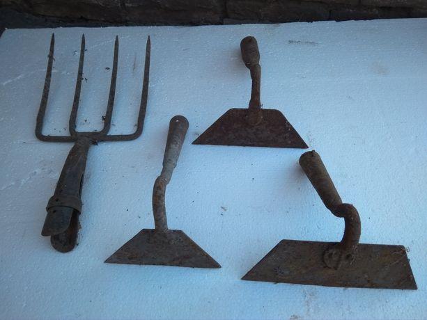 Тяпки, грабли,лопаты,вилы