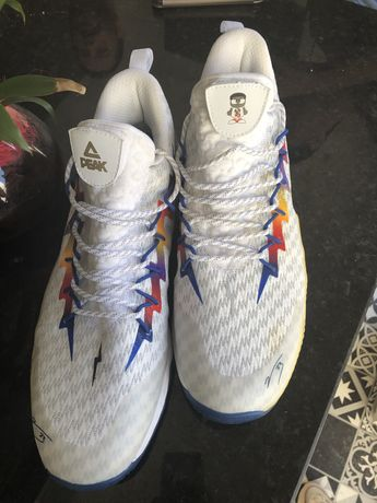 Vendo sapatilhas marca Peak n 49