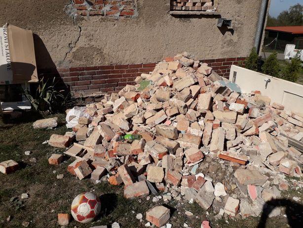 gruz po rozburzaniu ścian