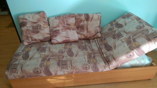 Łóżko wersalka używana