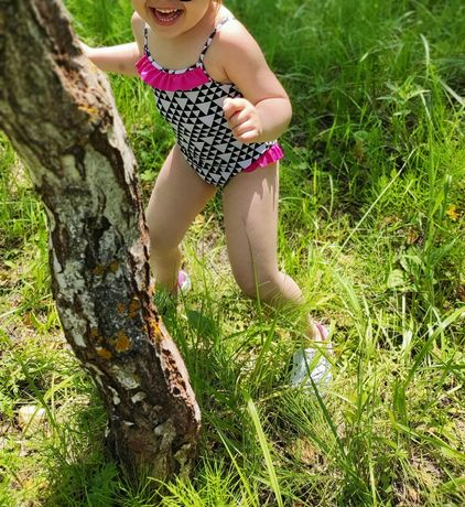 Сдельный купальник на девочку 3-4 года