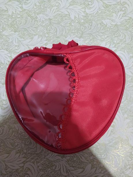 Косметичка, шкатулочка сердце.