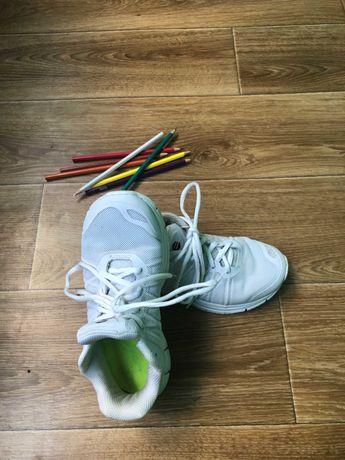 Кроссовки  размер 36,стелька-23.5 см