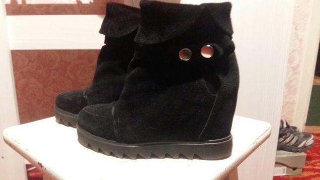 Продам замшевые ботинки демисезон 36р-р