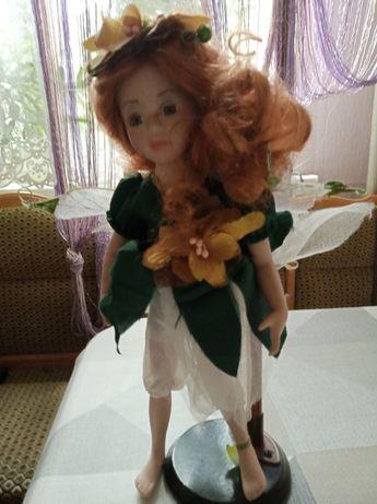 Продам куклу-статуэтку из фарфора сувенирную