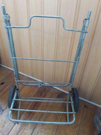 Продам тележку металлическую ,очень прочную, для перевозки больших тяж