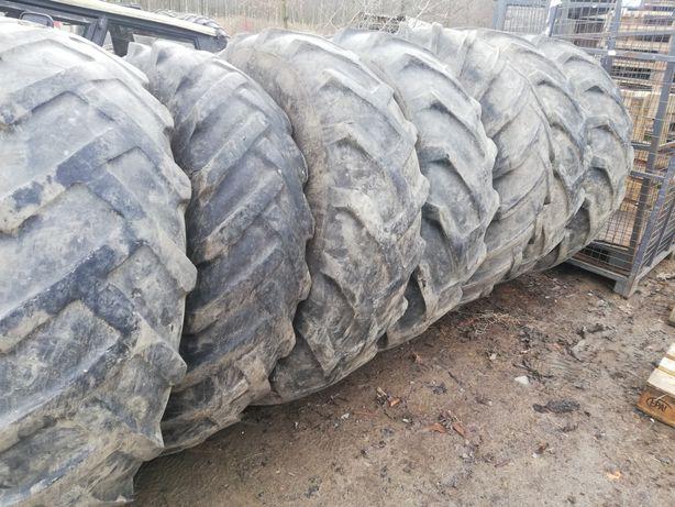 Opony tylne z traktora na kiszonkę
