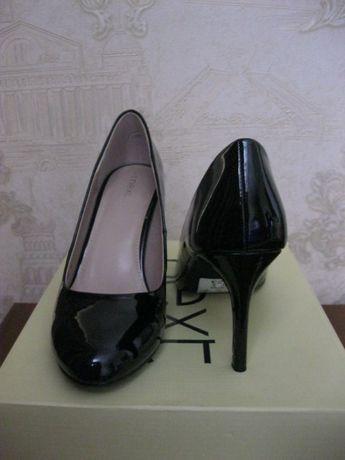Продам туфли Next