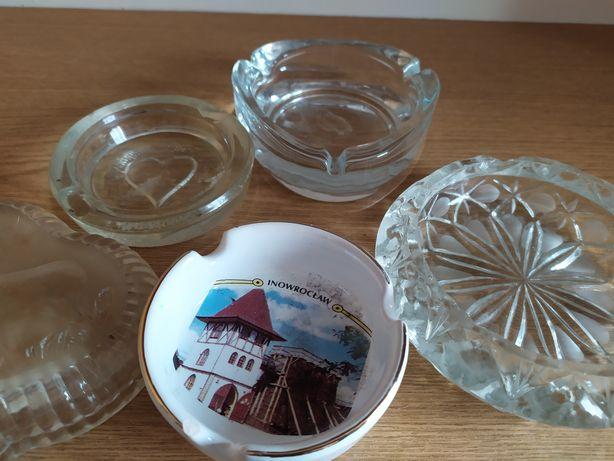 Popielniczki szklane i ceramiczna