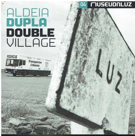 3123  Aldeia dupla = Double village  (Museu da Luz)