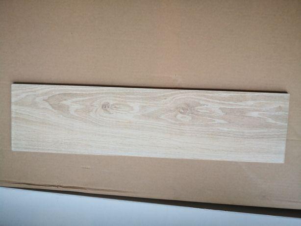 Gres imitacja drewna 15x60 14 szt czyli 1,26 m2