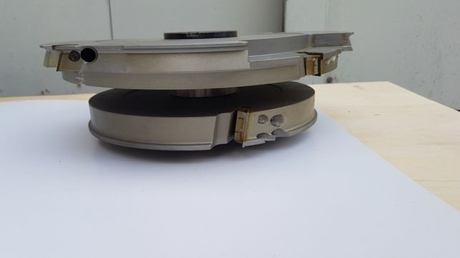 Sprzedam zestaw frezow do produkcji stolarki okiennej do profili 78-92