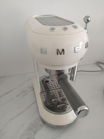 Ekspres do kawy SMEG gwarancja cream kremowy