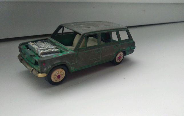 Модель 1:43 ВАЗ 2102 А11