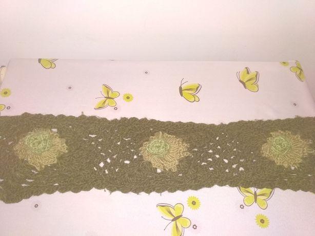 Szal, ciemno zielony, z kwiatami, ażurowy