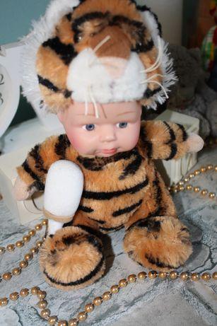 МАлыш-тигренок фирменная игрушка,идеальное состояние