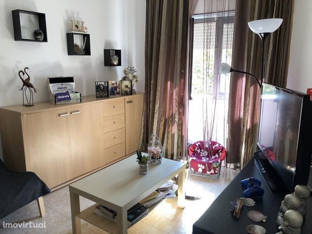 Apartamento T2 - 3ºandar, Lavradio – 86500 €