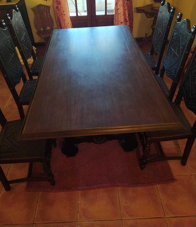 Conjunto Mesa de Jantar e 6 cadeiras em couro - Restaurado