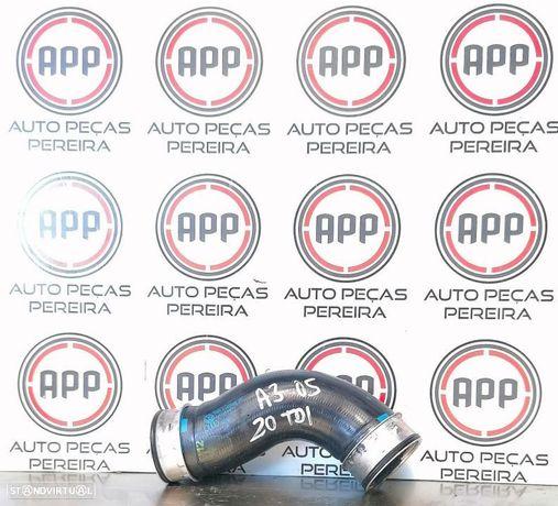 Tubo de intercooler Audi A3 8P,  Golf 5, Octávia, Leon 1P 2.0 TDI 140 CV referência 1K0145838D.