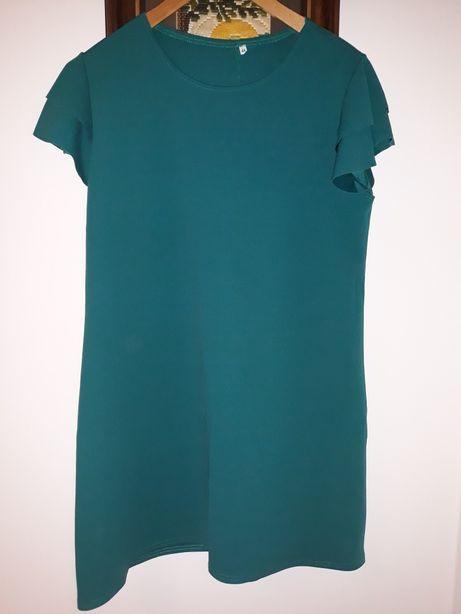Sukienka zielona z ozdobnym rękawkiem