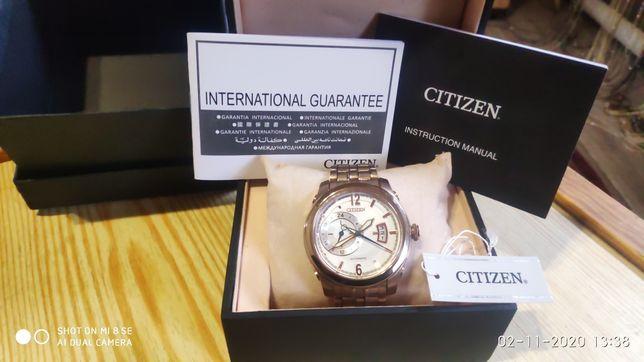 Часы Citizen покрыты золотом.